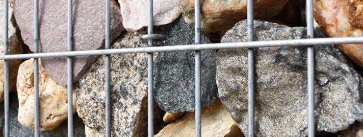 predaj kamenov a strkopieskov anteco okrasne kamene, stavebny material horna sec nitra levice kamenivo gabiony