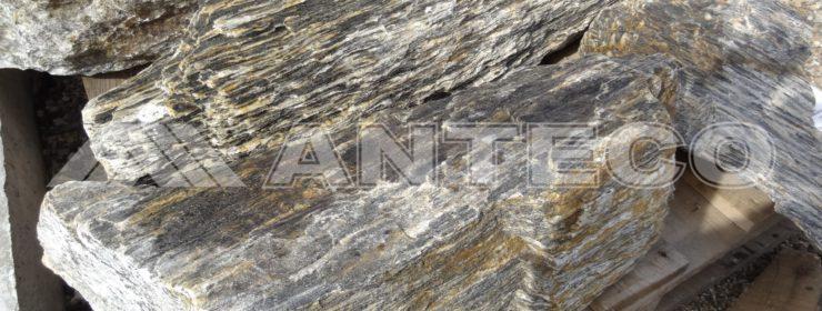 sluzby-anteco-tazba-kamena-a-strkopieskov okrasne kamene solitery kremenec soliter okruhly Kamenna kora solitér